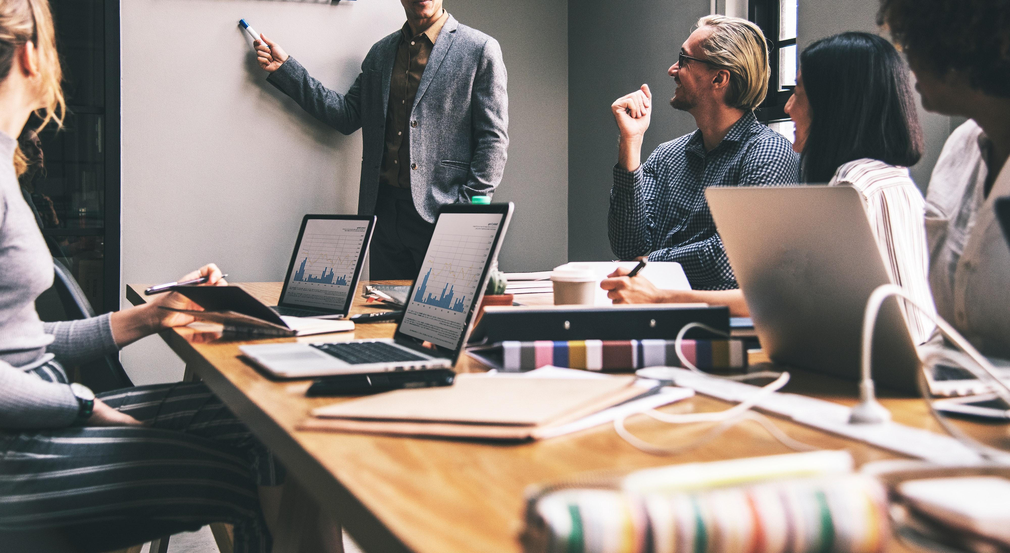 Choix d'une stratégie créative en communication interne