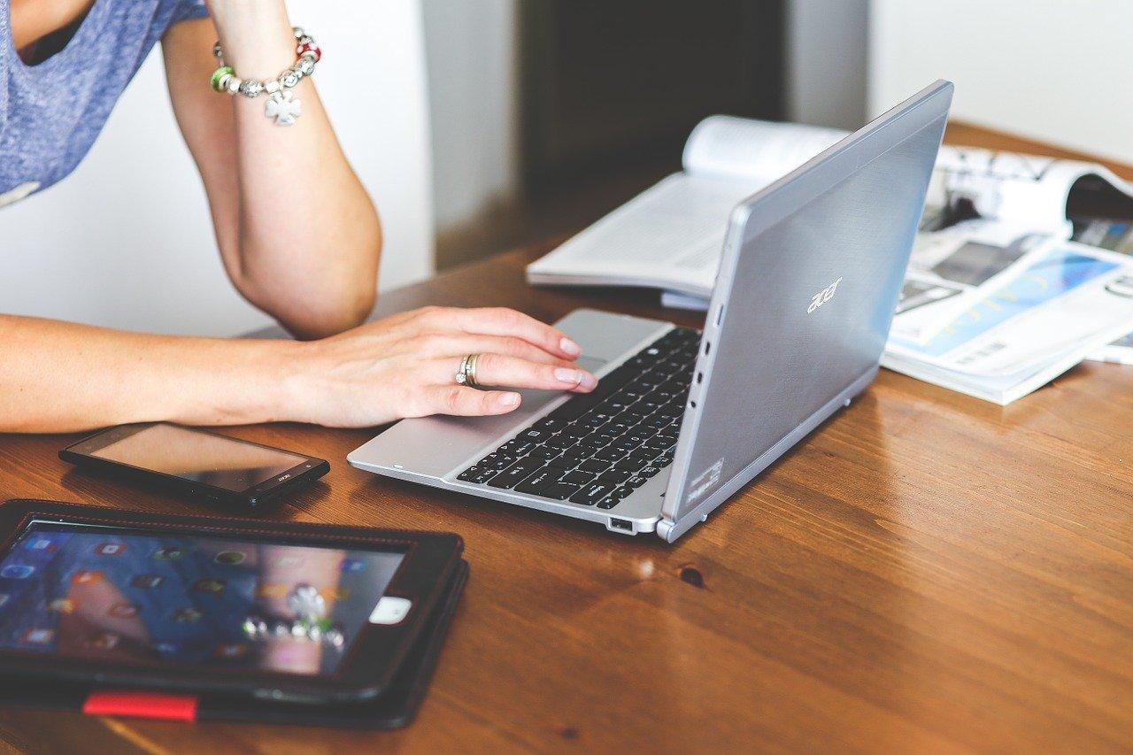 Quelles sources externes d'information utiliserau quotidien ?